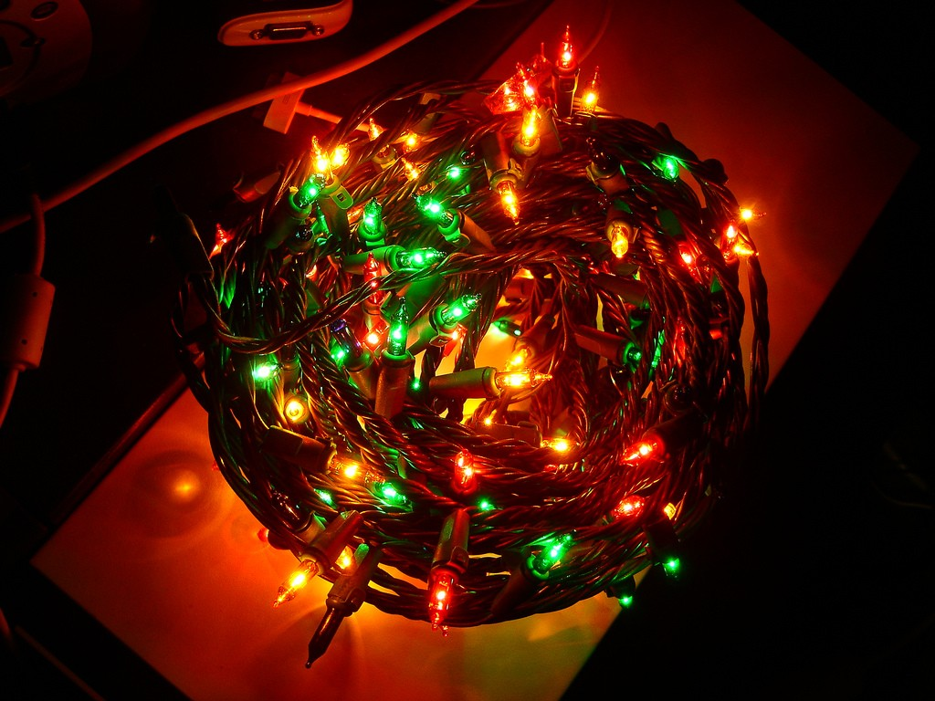 Christmas Led Lights Canada Too Many Christmas Lights May Paralyze Your Wifi But Here S How