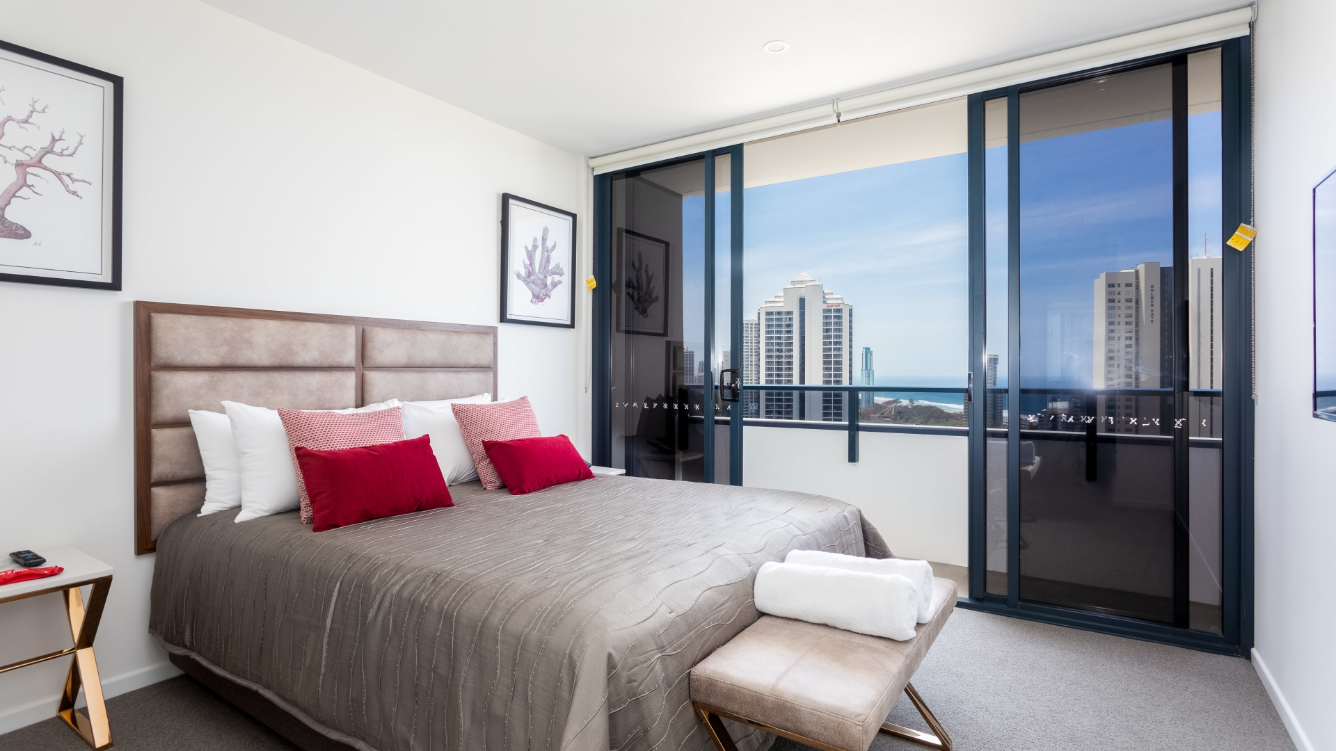 1 Bedroom Apartment Brisbane Gold Coast Apartments Surfers Paradise Australia The Ruby