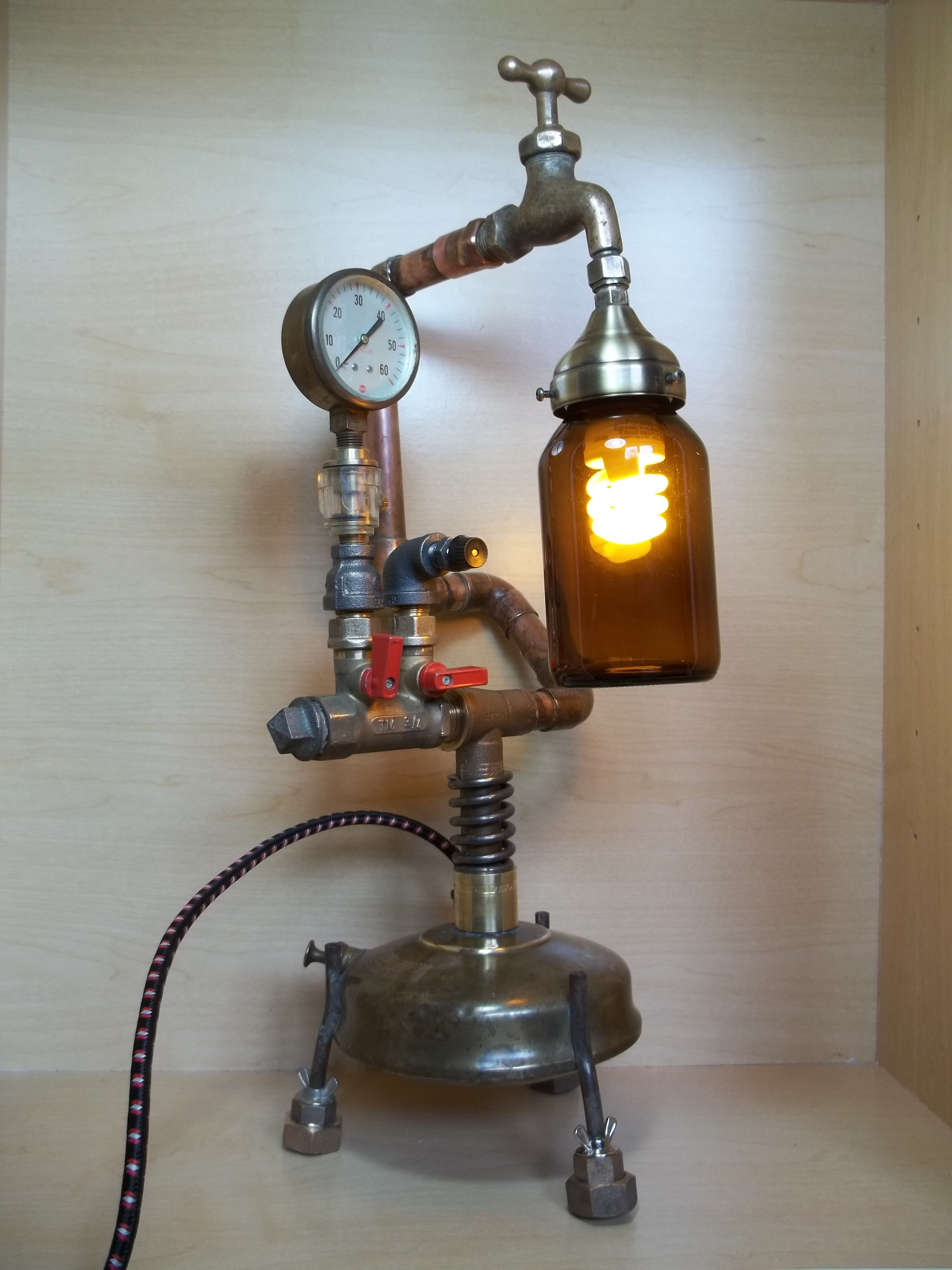Recyclage Objet Détourné Repurposed Upcycled Recycled Industrial Vintage Water