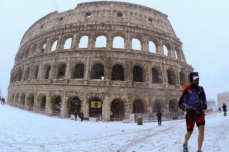 Hacía seis años que no nevaba en Roma, una ciudad que no está preparada para tan bajas temperaturas. REUTERS