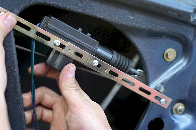 Symptoms of a Bad or Failing Trunk Lock Actuator YourMechanic Advice