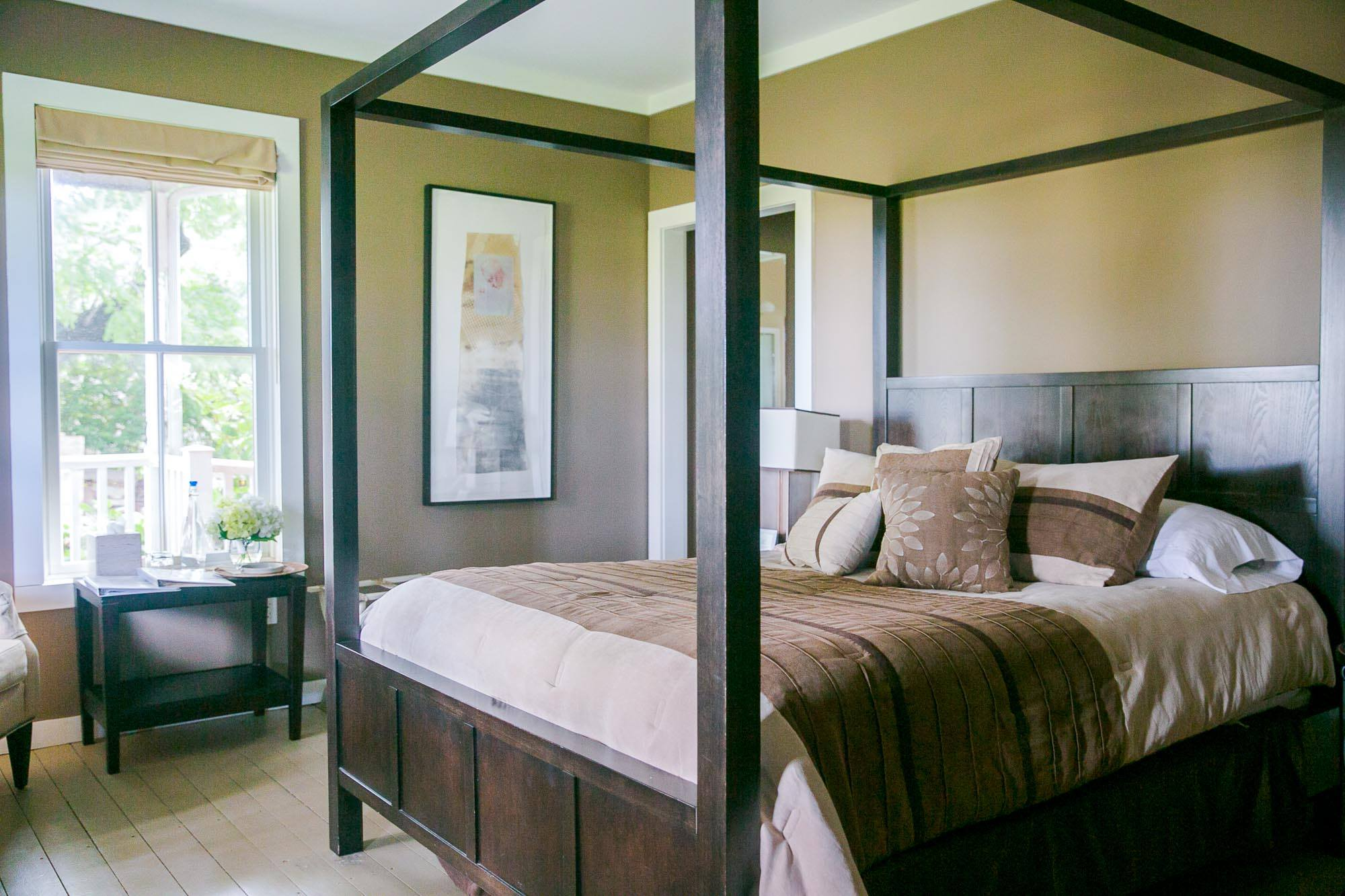 Shinn Estate Farmhouse Bed Spend The Night At An East End Winery Long Island Pulse Magazine