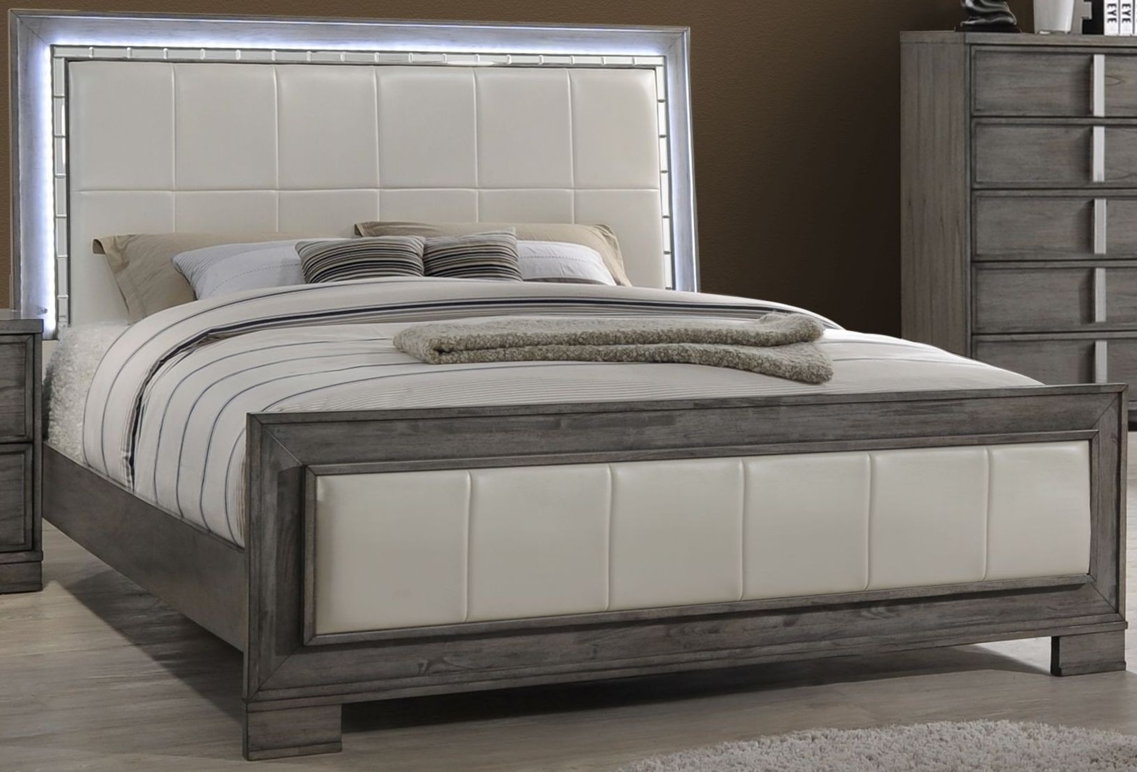 What Is A Panel Bed Edgewater Gray Queen Panel Bed From New Classic Coleman