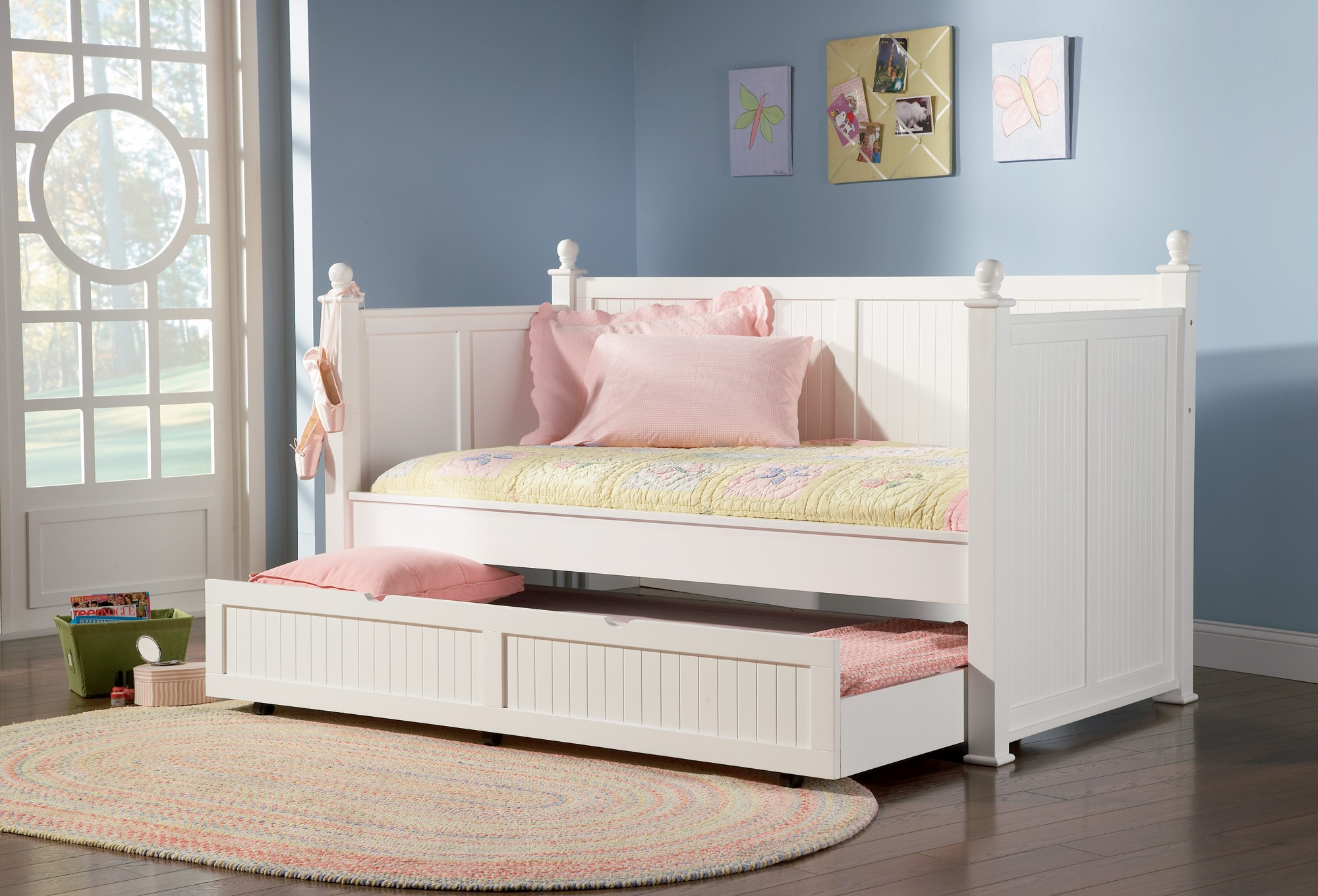 3 Twin Beds In The Space Of 1 Twin Size Day Bed 300026 From Coaster 300026 Coleman
