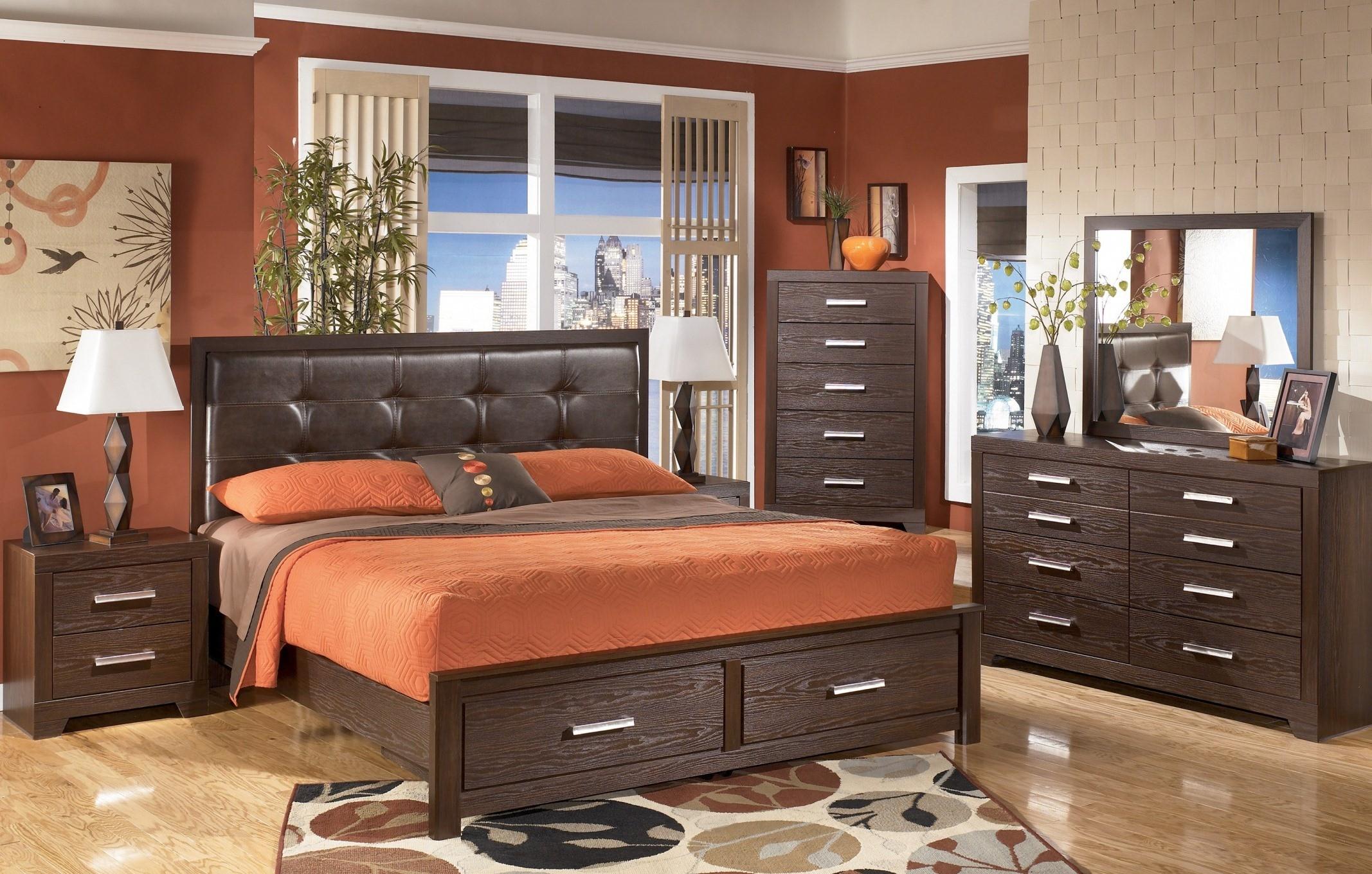 Aleydis Upholstered Platform Storage Bedroom Set from