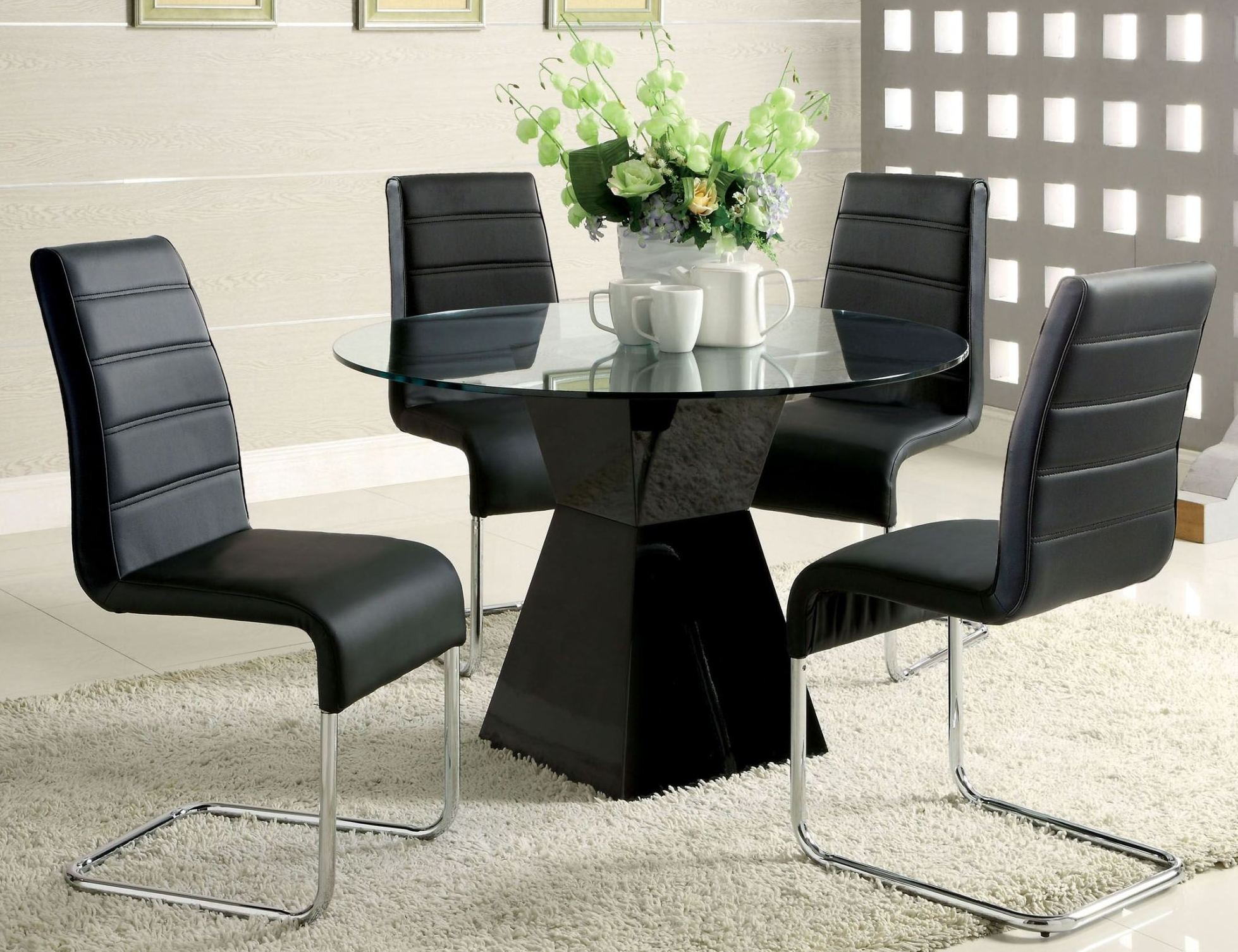 Mauna Black Glass Top Round Pedestal Dining Room Set From