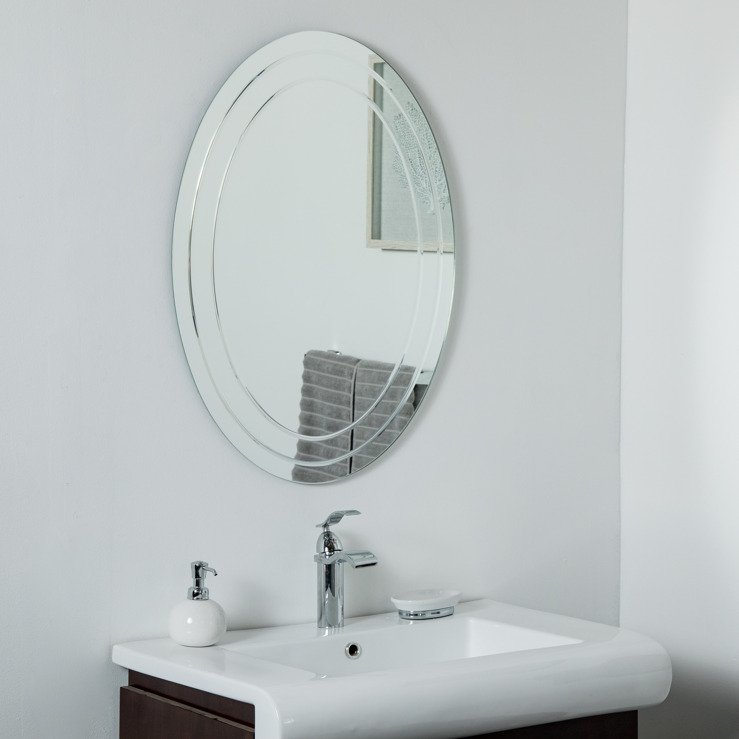 Decor Wonderland Tate Frameless Oval Mirror 31 5 In X 23 6 In Lowe S Canada
