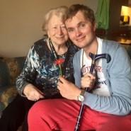Terug in Nederland – meteen naar oma (2015)