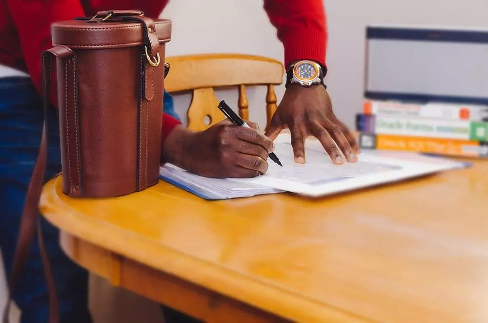 How to Create a Freelance Contract that Benefits You  Your Clients