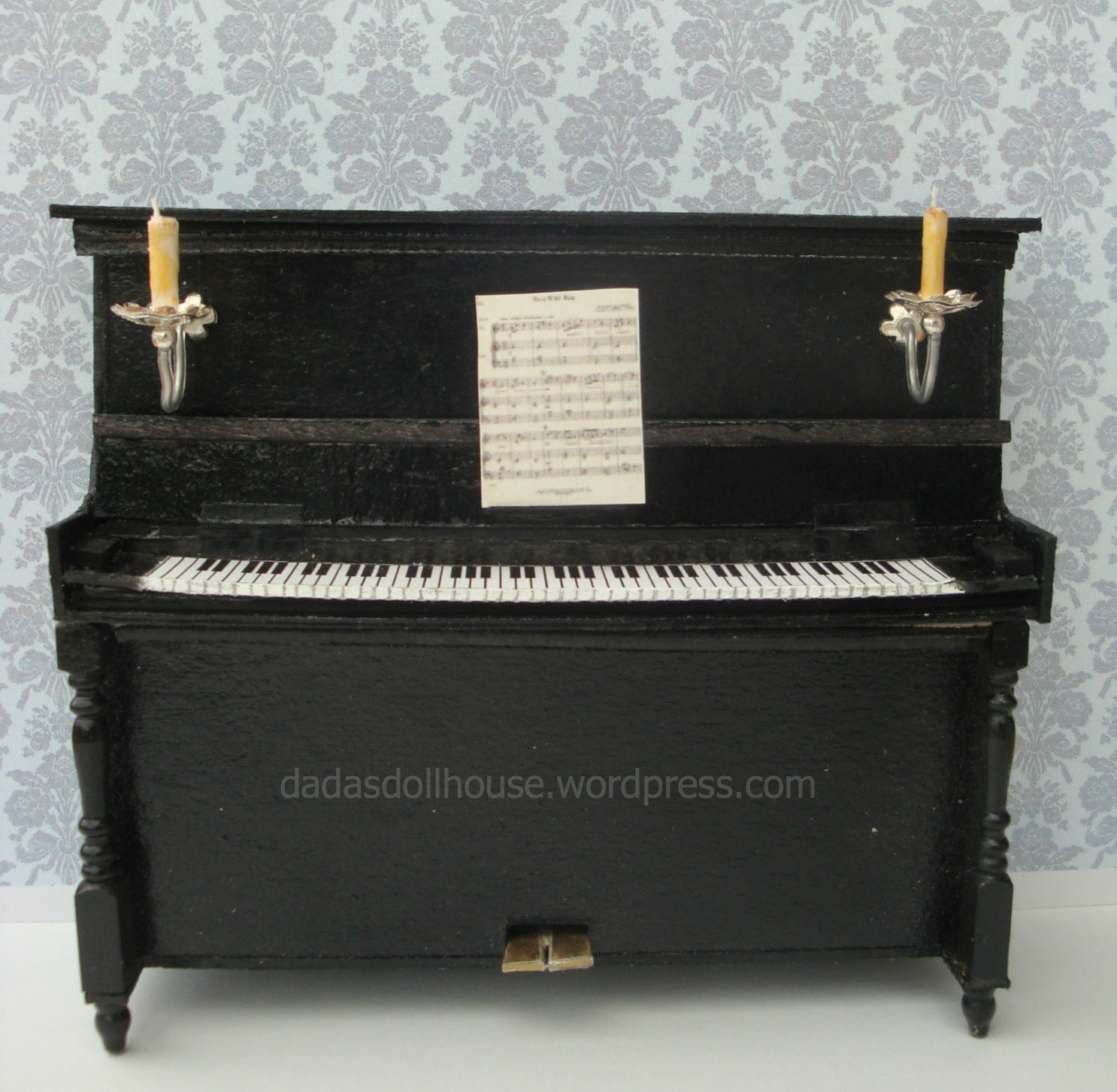Arredare Con Pianoforte Verticale Il Pianoforte Verticale The Upright Piano Dada S Dollhouse