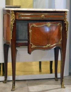French Commode 2