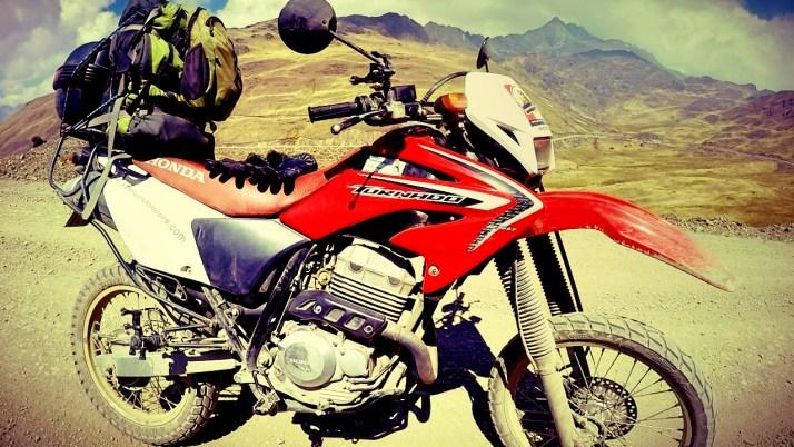Peru, inca, ruins, machu picchu, motorcycle peru, cusco, mountains, hiking, adventure, wanderlust, dagsvstheworld, rtw, travel, sacred valley, dirtbike, adventurebike, incan ruins, mountains, twistys,