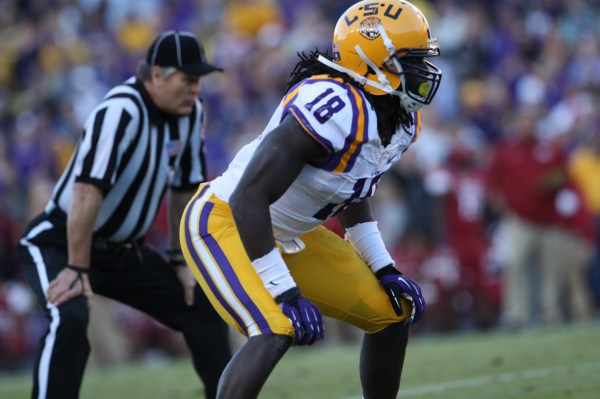 LSU LB Lamin Barrow waiting the play to get going.