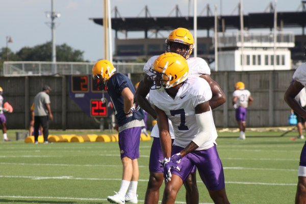 LSU wr DJ Chalk set to run a route.