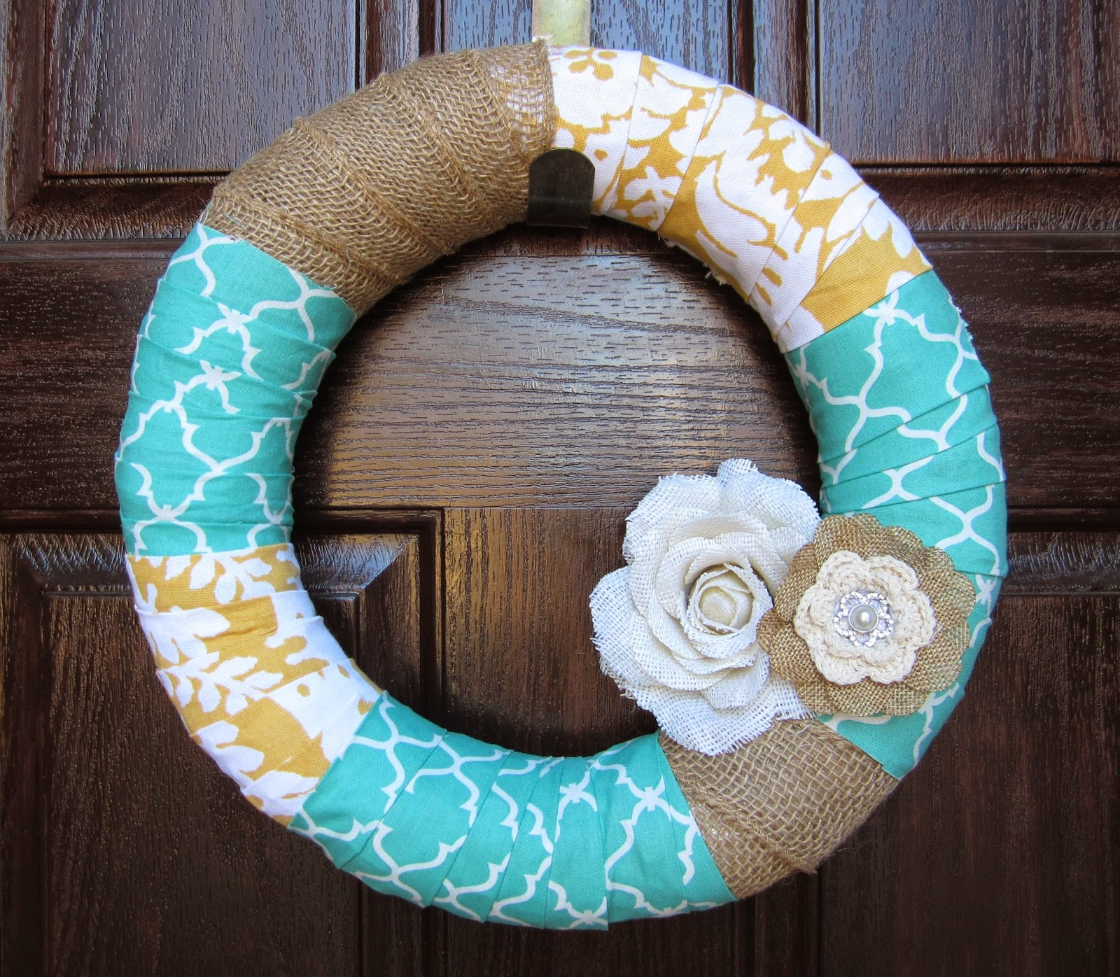 Easy DIY front door wreath made with fabric and burlap. #DIY