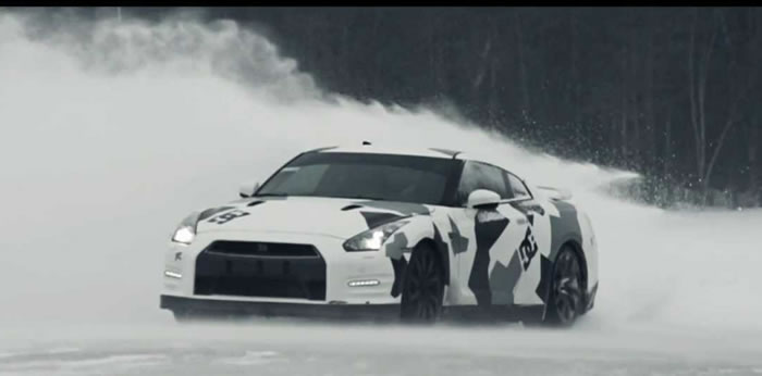Gtr Car Hd Wallpaper Nissan Gt R Races Up A Ski Slope And Hoons In The Snow