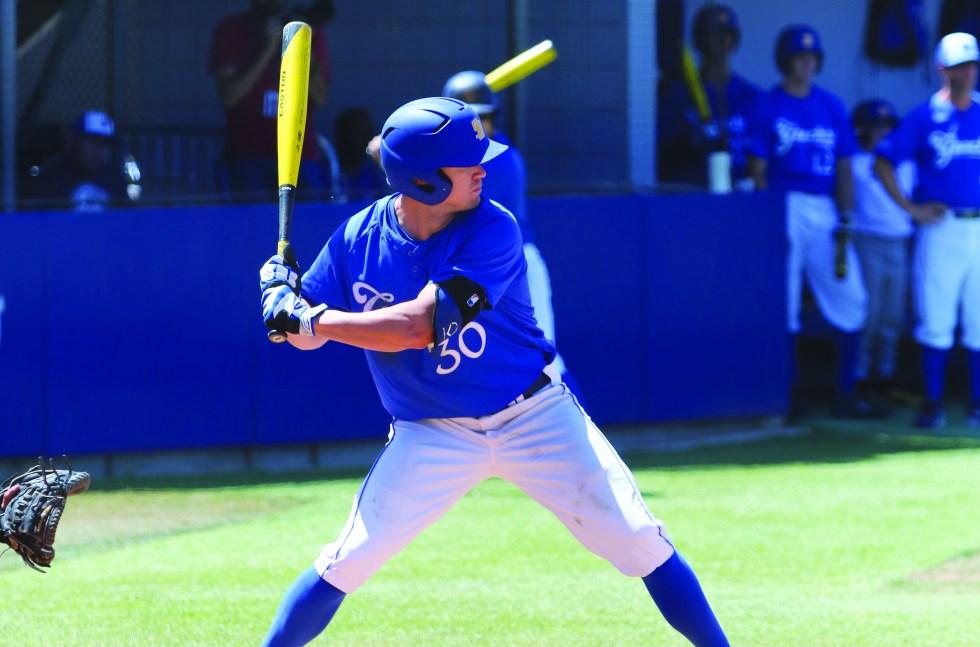 Baseball_vsCSUN-DustinHarris-05112014-08