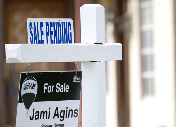 Number of contracts to buy homes at highest level since May \u2013 The