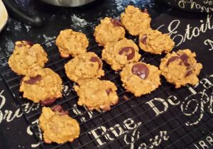 Vegan Pumpkin Spice Chocolate Chip Cookies