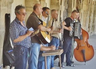 Musicians on Southern Border of Place Des Vosges