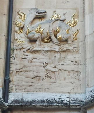 Dragon on Courtyard Decoration Hotel de Bourgtheroulde