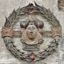 Sign of Woman's Head Wreath