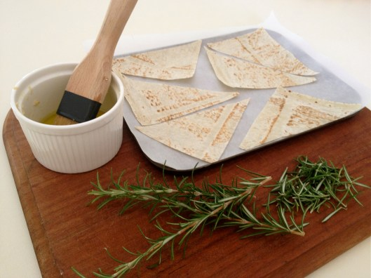 garlic and rosemary chips