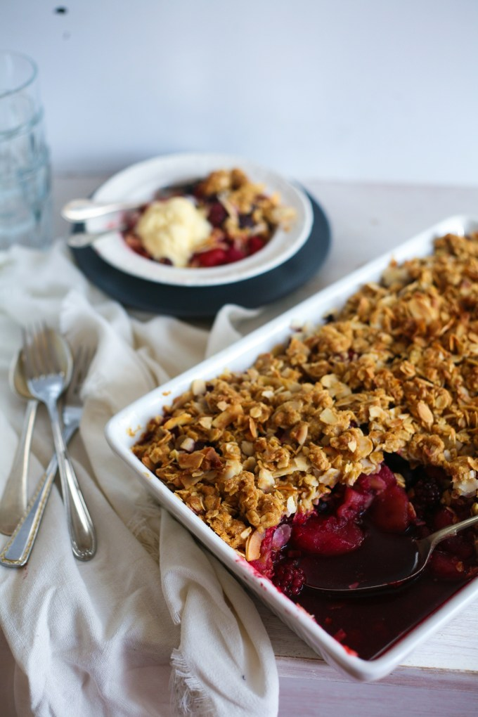 cheats apple and berry crumble