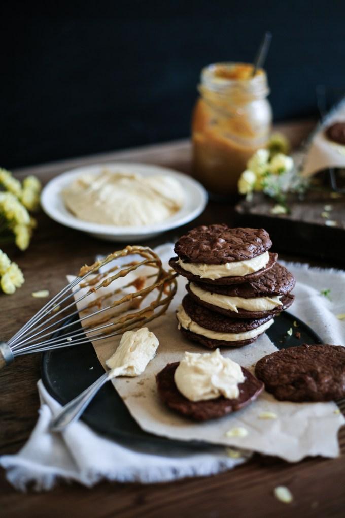 Brownie Ducle de Leche Cookie Sandwiches
