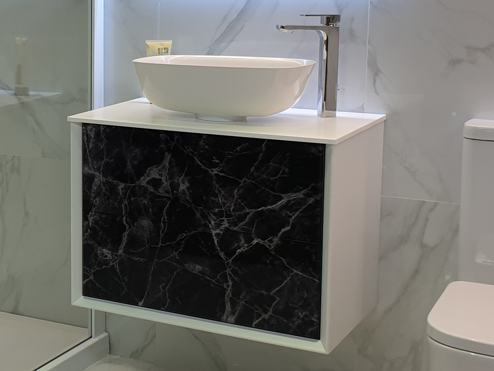 Showroom Offers Dale Bathrooms