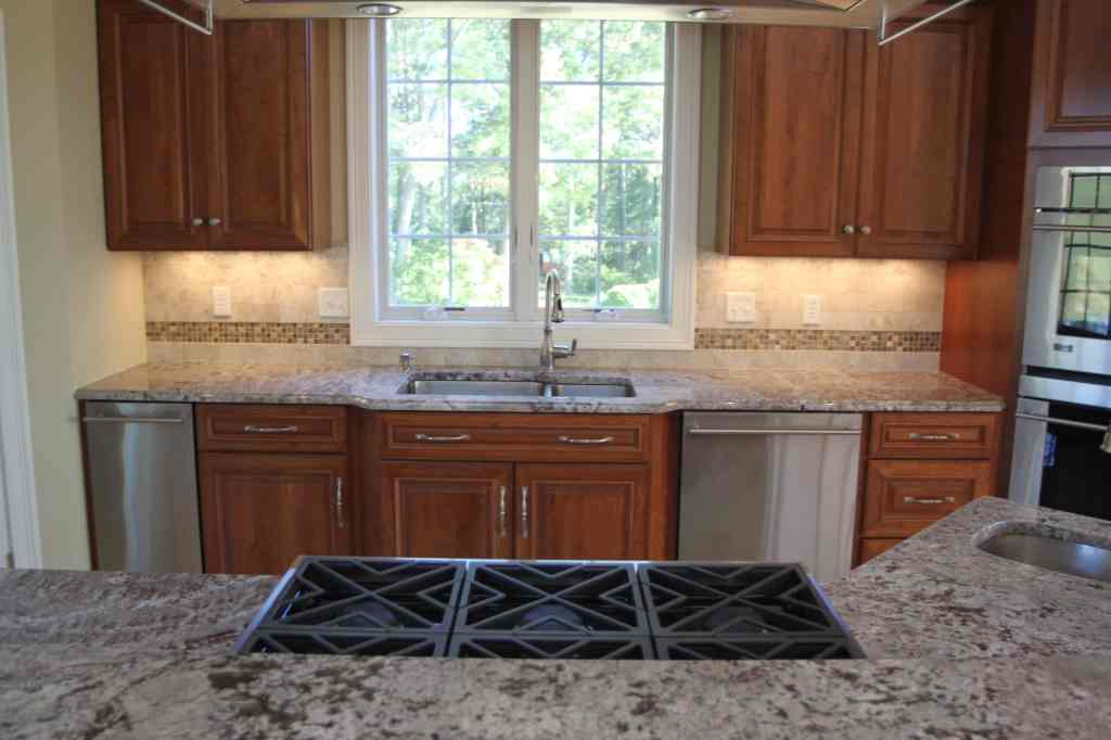 Matching Backsplash To Countertop Should Your Flooring Match Your Kitchen Cabinets Or