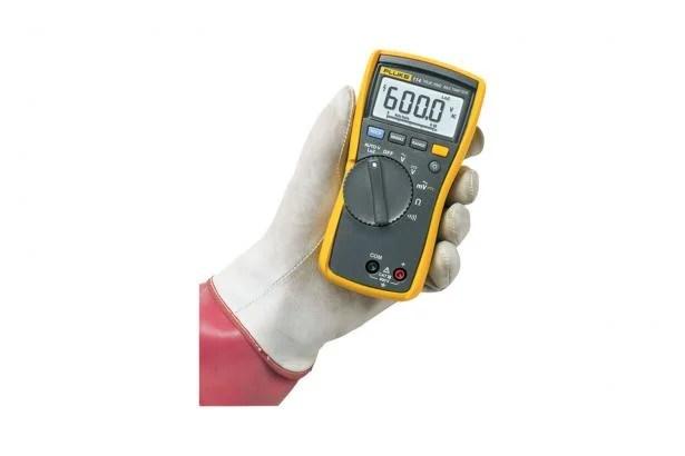 Fluke 114 True-RMS Electrical Multimeter CAT III 600 V Fluke