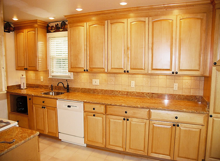 kitchen wall color ideas maple cabinets maple kitchen pictures kitchen color ideas maple cabinets home design ideas