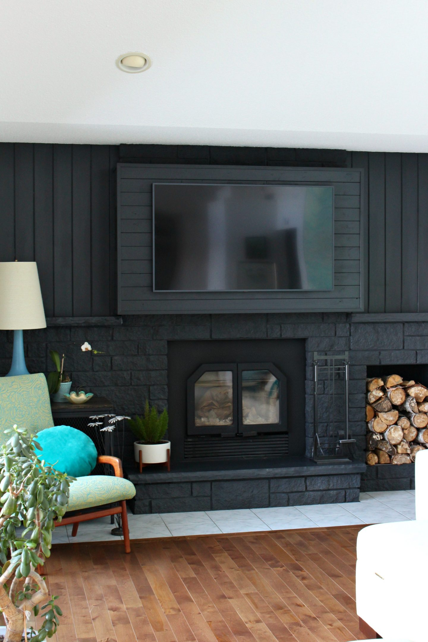 How High To Hang A Tv How To Build A Fireplace Bump Out To Hang A Tv Dans Le