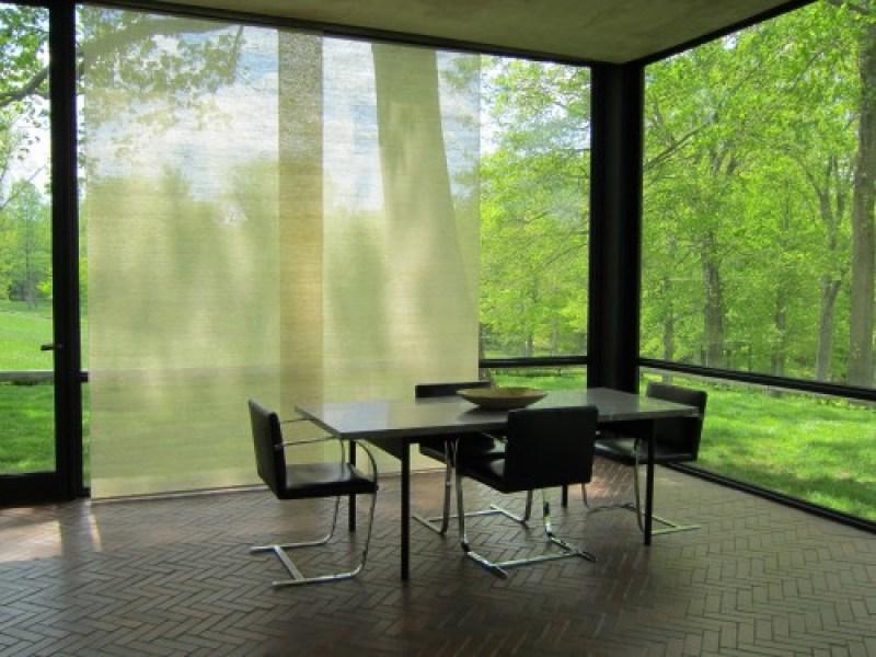 Glass-House-Dining-Area-Philip-Johnson