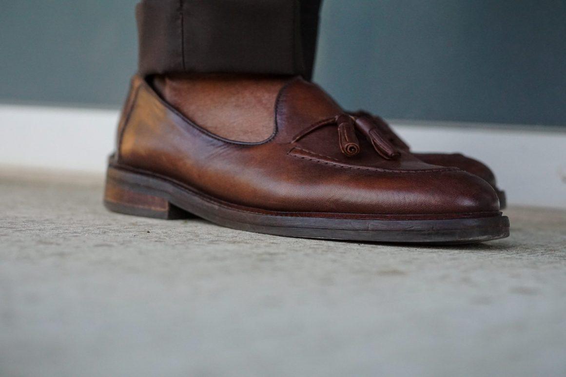 dapper-advisor-black-man-wearing-zara-brown-tassel-loafers