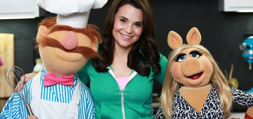 Nerdy Nummies Cooks with Miss Piggy & The Swedish Chef