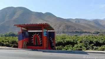 Paraderos Del Viento: El Tambo, bus stop on the west side