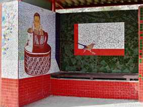 Paraderos Del Viento: we assume this is one out of the latest series of mosaic art