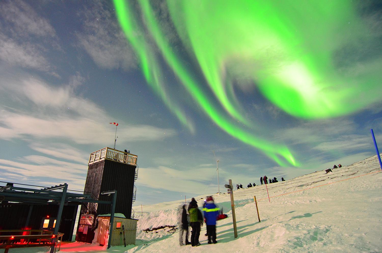 Aurora-Sky-Station-Chad-Blakley-Lights-Over-Laplan