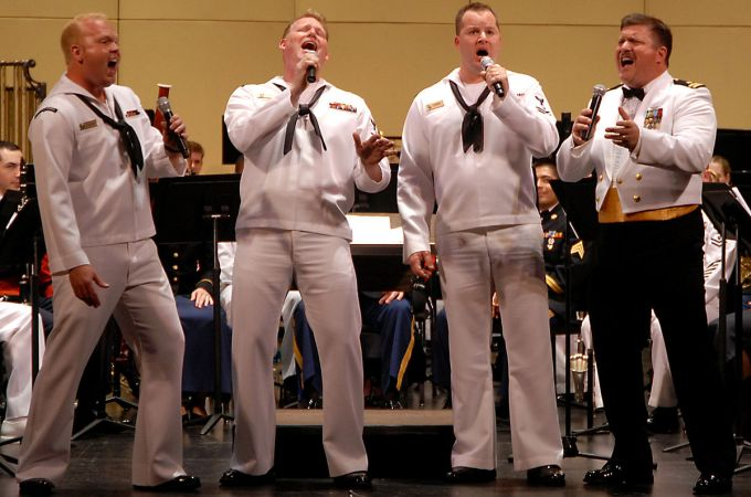 1200px-US_Navy_080615-N-7656R-003_Navy_Band_Northwest's_Barbershop_Quartet_win_the_hearts_of_the_audience_with_a_John_Philip_Sousa_rendition_of