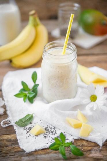 mango bananen smoothie mit chia samen das k chengefl ster. Black Bedroom Furniture Sets. Home Design Ideas