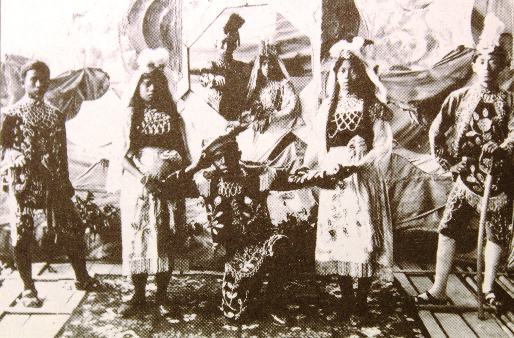 Pentas Stamboel Lakon Jula Juli Di Jawa Tengah Tahun 1906