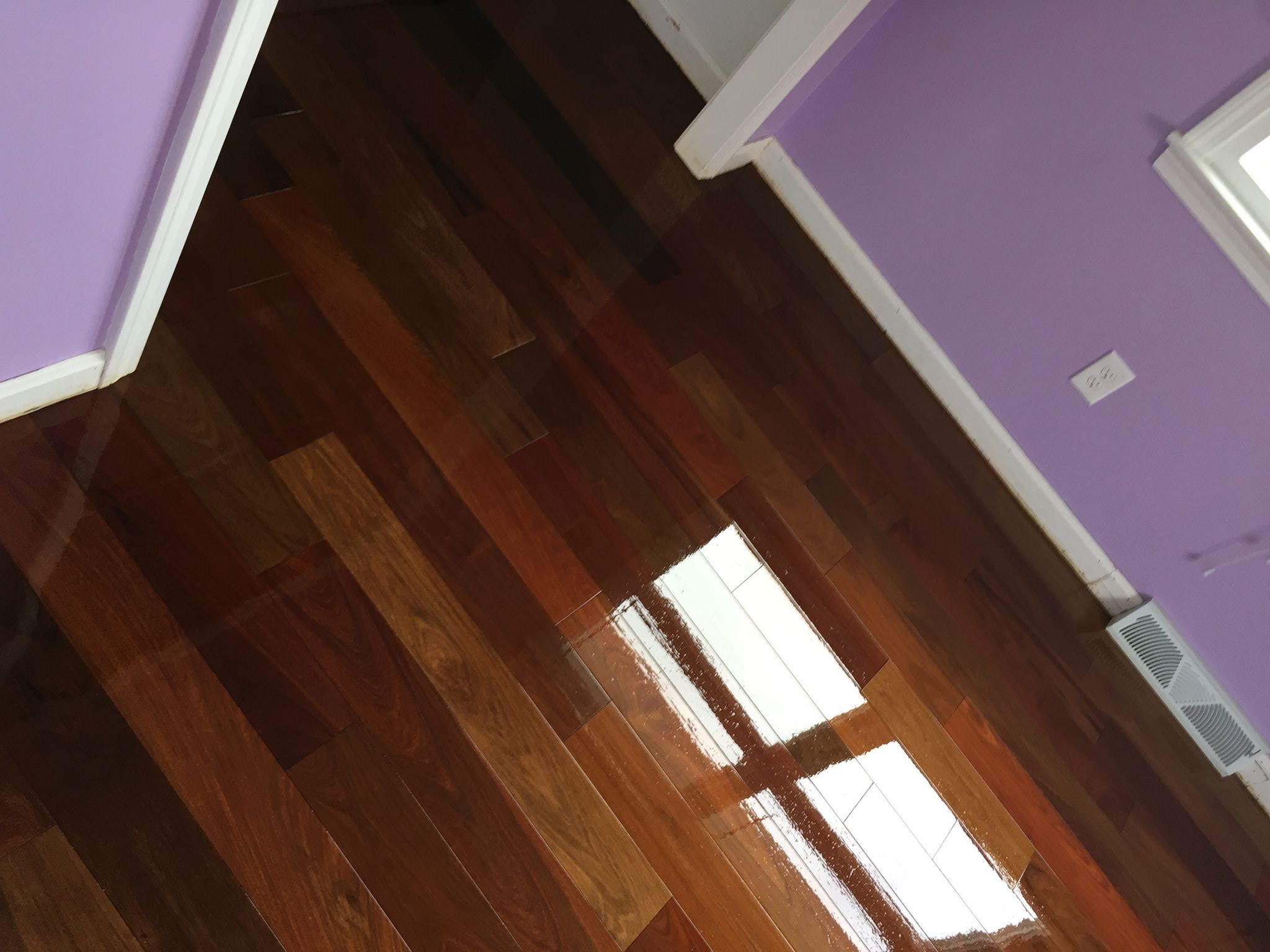 Tips For Choosing Your Hardwood Floor Color From New York