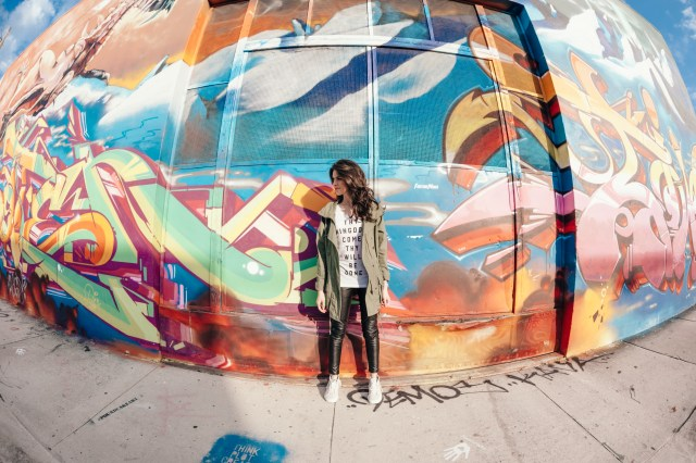 Miami Street Style - Basic style - Walk in Love
