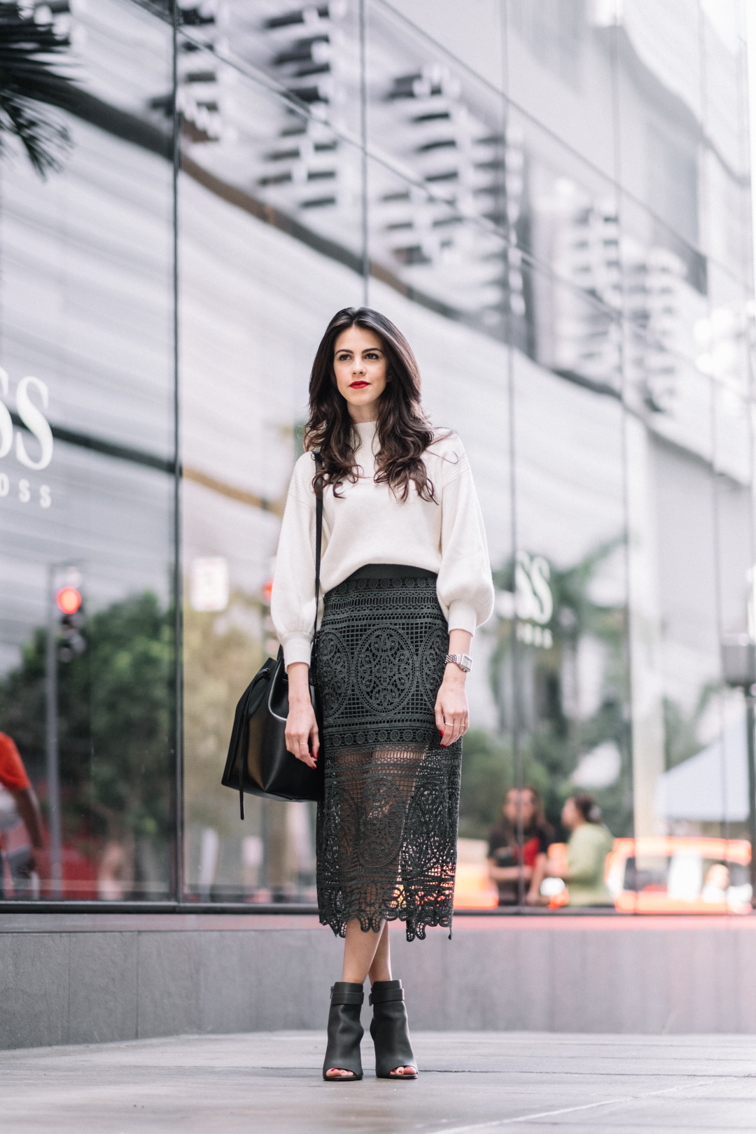 Jackie Roque styling a Topshop Lace skirt, Mansur Gavriel Bucket bag and Vince shoes
