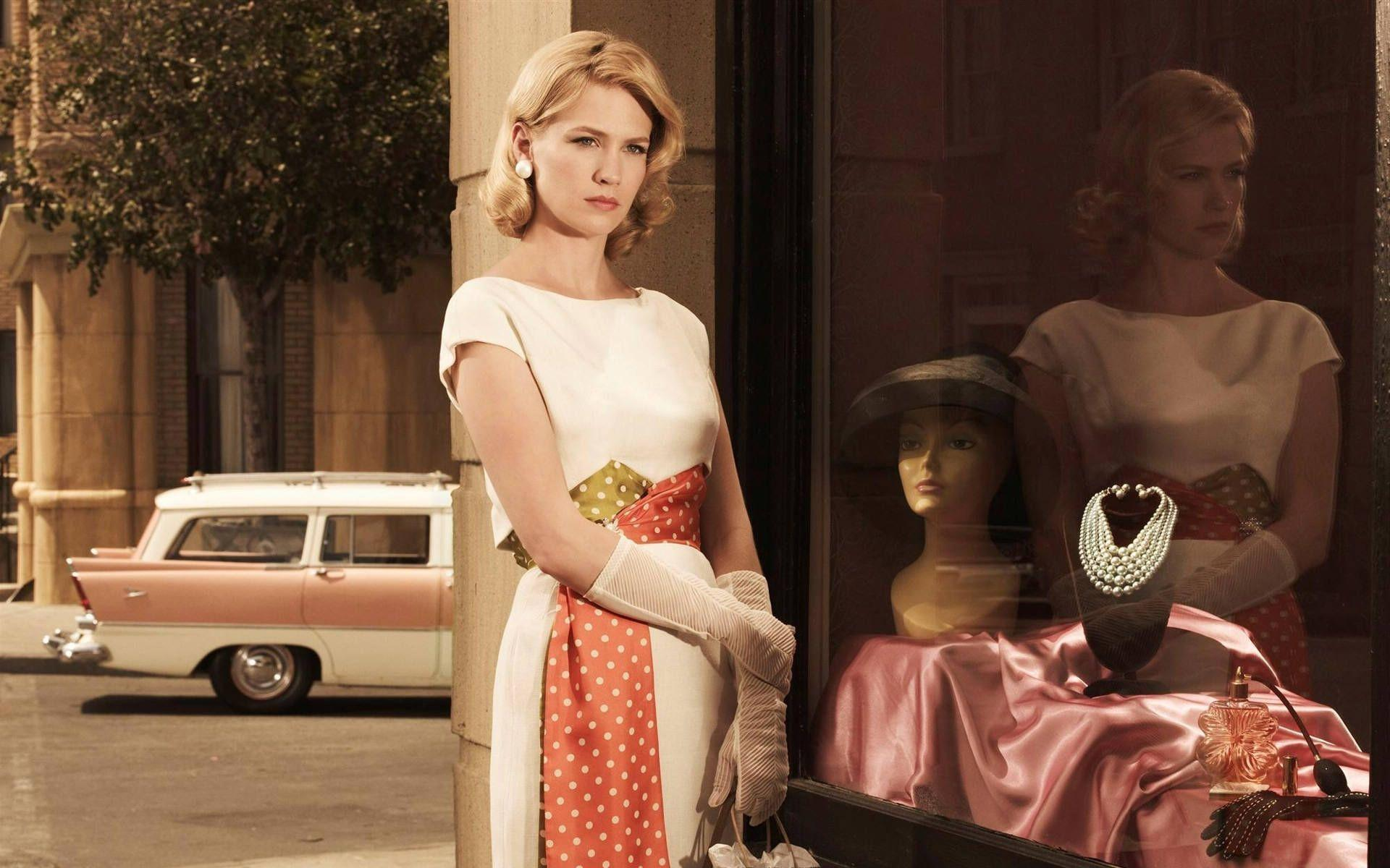 Wallpaper 3d Moving Cars Hd January Jones As Betty Francis In Mad Men Wallpaper