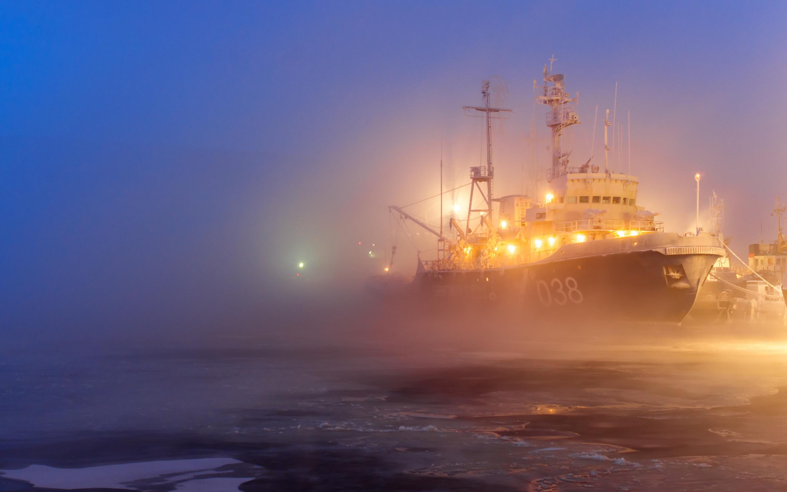 Christmas Desktop Wallpaper Animated Free Hd Port Ice Ship Fog Lights Pictures For Desktop Wallpaper