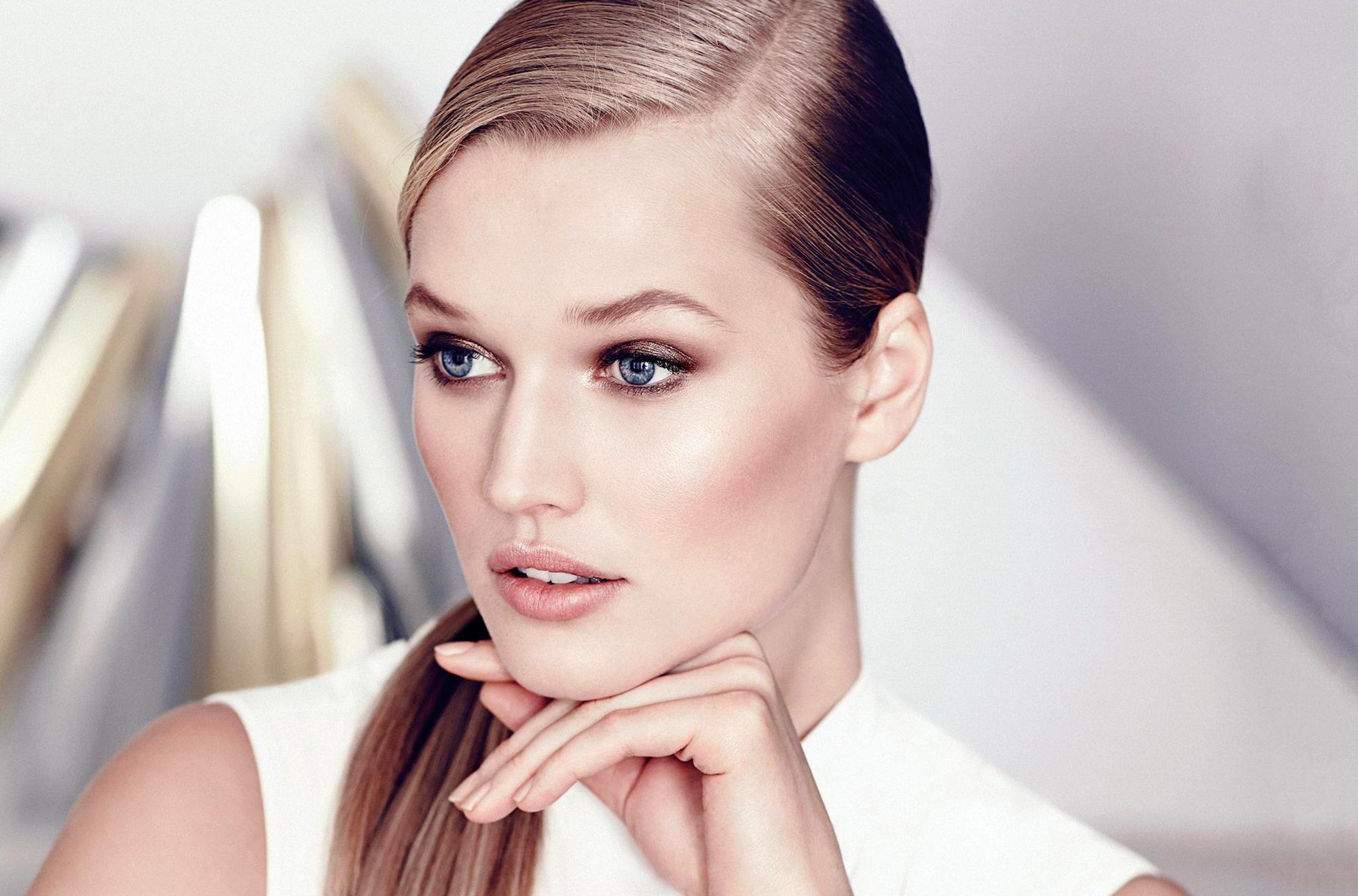 Hq 3d Wallpapers Free Download Hd Toni Garrn Model Girl Face Make Up Wallpaper