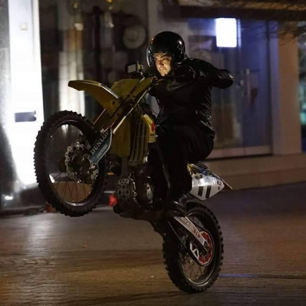 Kamal Raja Hd Wallpaper Thala Ajith Kumar S Bike Stunt On Set Of Thala 57 Photos